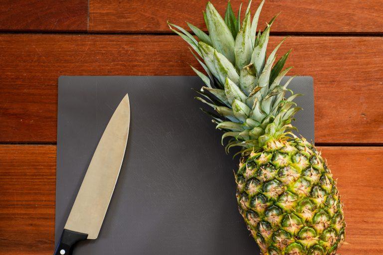 descascar ananás