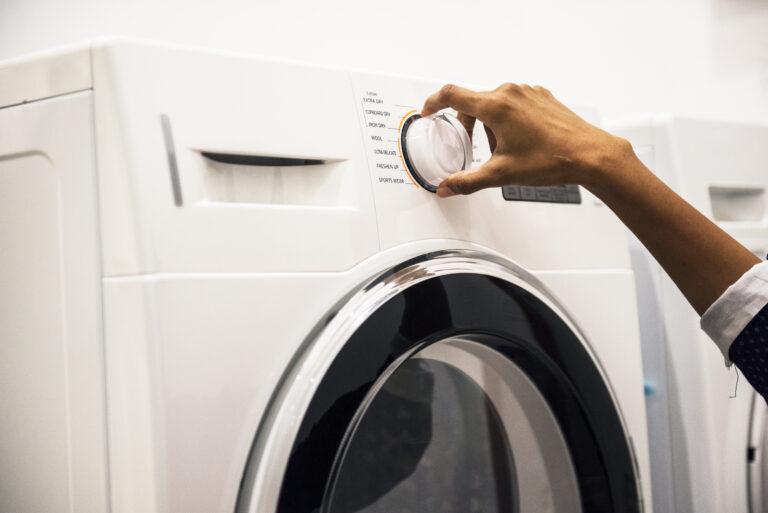 Lavar a roupa de forma sustentável